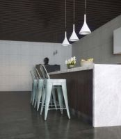 modern-kitchen-with-island-bar-2