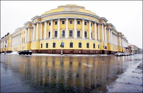 Пропорциональность на примере здания бывшего Сената в Кремле .